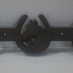 Cast Iron Lucky Horseshoe 2 Coat Hooks Wall